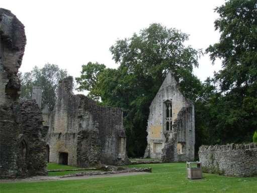 ruins-minster-lovell