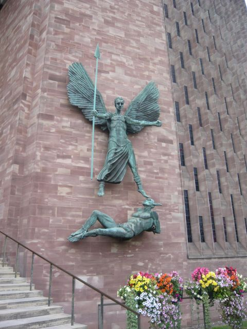 Coventry Cathedral P1090238